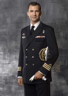 Principe-Felipe-uniforme-Capitan-Fragata-Armada